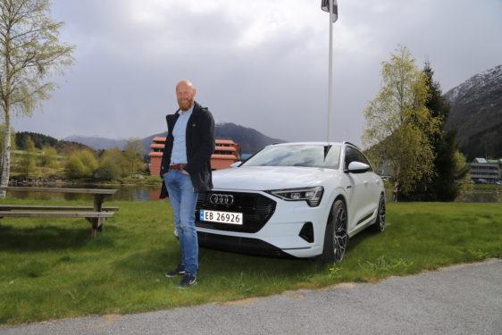 Stein  Kjetil  pendlar  med  Audi  e-tron  –  sparer  tusenvis  av  kroner  kvar  månad